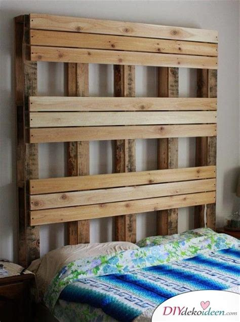 Wie Baue Ich Ein Bett Aus Paletten by Rustikales Diy Bett Kopfteil Selbst Bauen Aus Paletten