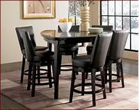 triangular dining table A triangle dining table – the convenience of the unusual shape