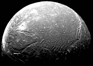 "Uranus' ""Sprightly"" Moon Ariel - Universe Today"