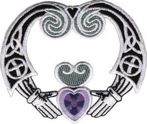 Symbole Celte Amour Eternel : ecusson buffy symbole claddagh buffy ~ Farleysfitness.com Idées de Décoration