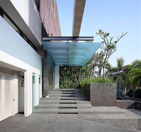 house entrance canopy design building entrance canopy google search entrance canopy pinterest canopy building and