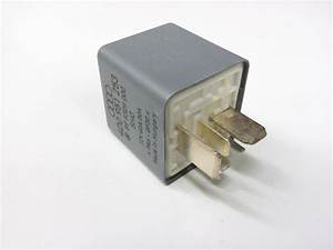 2000 Audi Accessory Power Relay  Fuel Pump Relay  Fuses