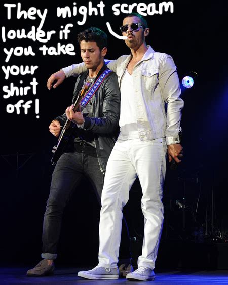 The Jonas Brothers Tour Gets Sticky Hot In Tampa! - Perez ...