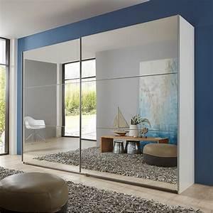 Armoire avec des portes coulissantes miroir for Porte de douche coulissante avec armoire miroir 3 portes salle de bain