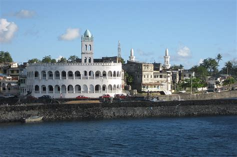 By the port: Friday mosque (Moroni, Comoros) | Flickr ...
