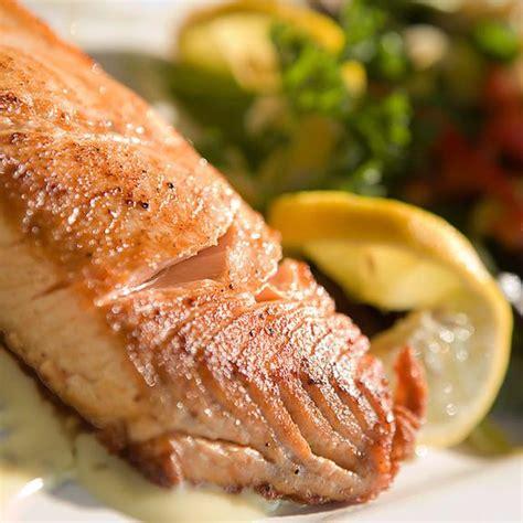 cuisiner du saumon frais menu de noël les différentes façons de cuisiner le