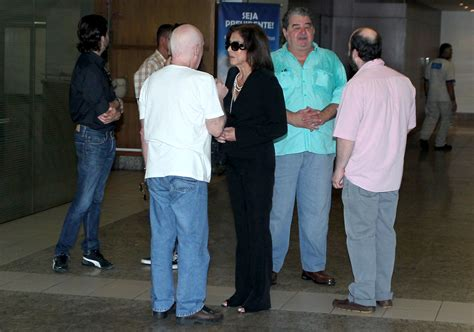 Amigos se despedem de Claudio Marzo em velório | CLAUDIA