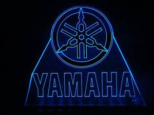 TeknoArtes - Displays Luminosos - Logo Yamaha ...