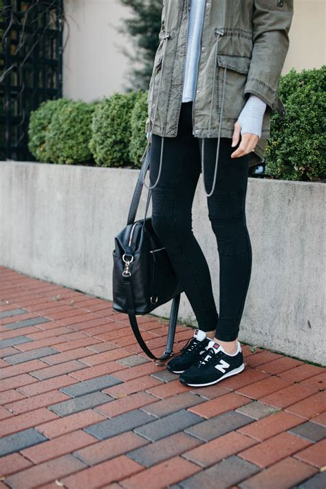 How To Wear Leggings as Pants (YES I went there) - The Mom Edit