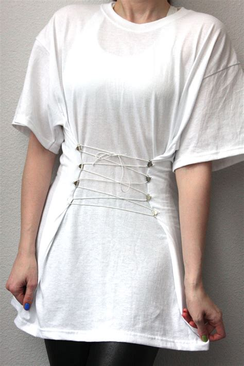 diy shirt designs 55 diy ideas to upcycle your favorite t shirt