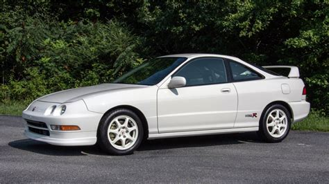acura type r this 21 year old acura integra type r just sold for