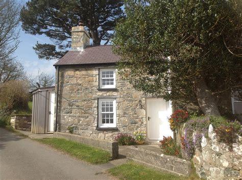 cottage wales last minute deals on cottage rental lm2005 at