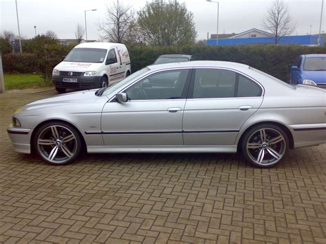 Bmw 5 Series 525i 2001  Auto Images And Specification