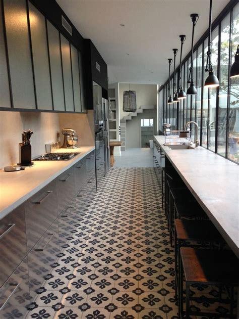 cuisine en couloir cuisine tout en longueur la verrière casse l 39 effet