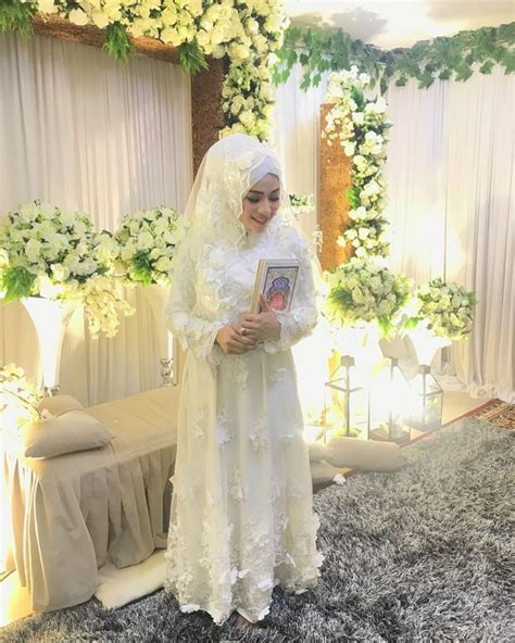 memilih model kebaya  pengantin muslim