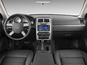 Image: 2009 Dodge Charger 4-door Sedan SXT RWD Dashboard