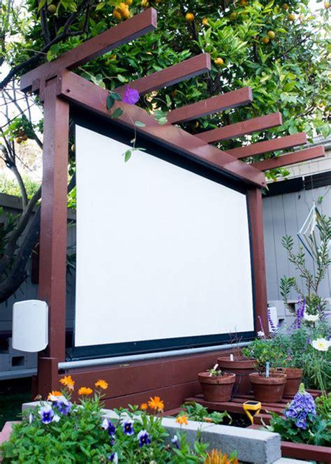 DIY Backyard Outdoor Theater