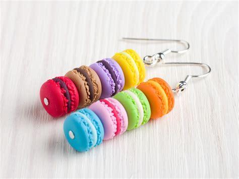 boucles d oreilles macarons multicolores en p 226 te fimo et argent