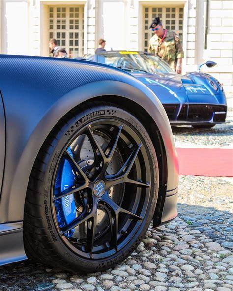 Bugatti chose geneva to unveil its incredible chiron hypercar. Bugatti vs. Pagani   Super luxury cars, Super cars, Pagani