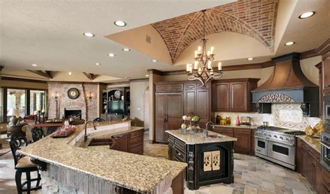 tuscan kitchen islands 29 tuscan kitchen ideas decor designs 2981