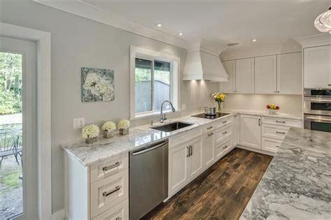 nuevos espacios  una cocina clasica cocinas  estilo