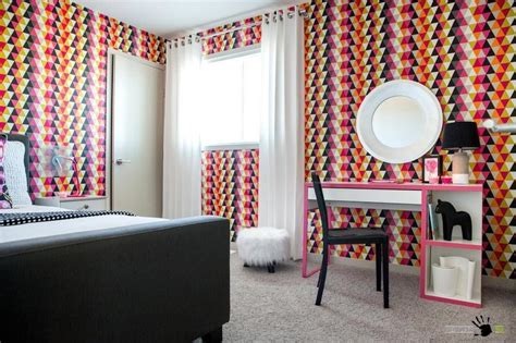 Assorted Colors Wallpaper Design In A Bright Childrens