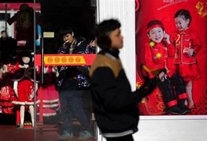Retail   Hong Kong sales slump as mainland shoppers stay ...