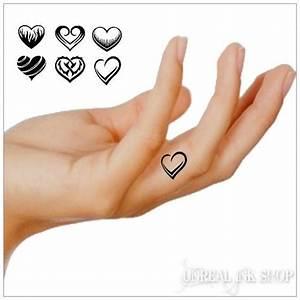 Finger Tattoo Herz : die besten 25 herz fingertattoos ideen auf pinterest fingert towierungen herz tattoo auf ~ Frokenaadalensverden.com Haus und Dekorationen