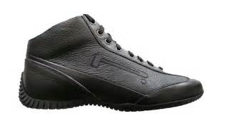 who made the ford mustang pirelli shoes biser3a