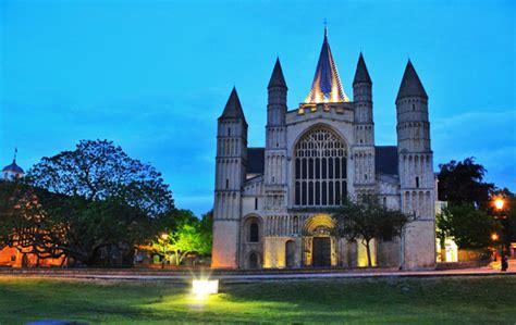 Rochester Cathedral - Going on in Medway