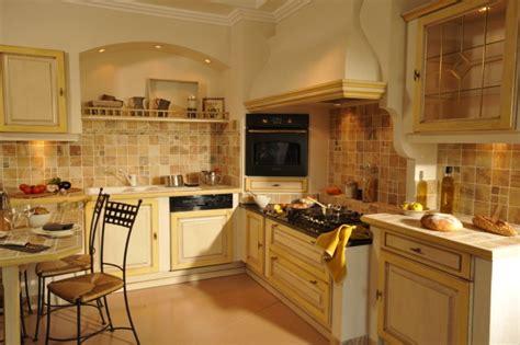 cuisine romaine traditionnelle nos cuisines et salles de bain à la vente vers salon de