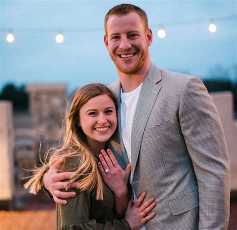 philly eagles star carson wentz proposes  girlfriend