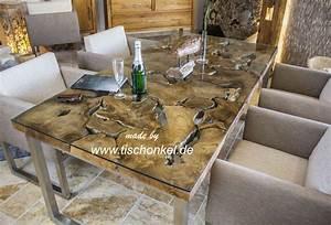 Design Esstisch aus Altholz mit Edelstahlgestell : Der