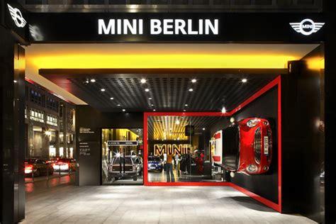 dizayn vystavochnogo zala avtosalona bmw mini  berline