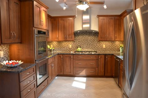 granite countertops with brown cabinets baltic brown granite makes your kitchen countertop looks