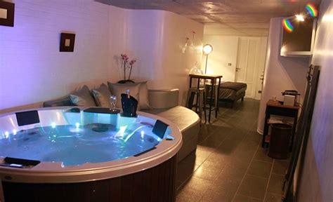 hotel avec bain a remous dans la chambre chambre hote avec
