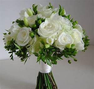 Funny Pictures Gallery: White and green flowers wedding ...