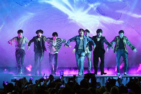 Billboard Music Awards 2018: BTS Perform New Song 'Fake ...