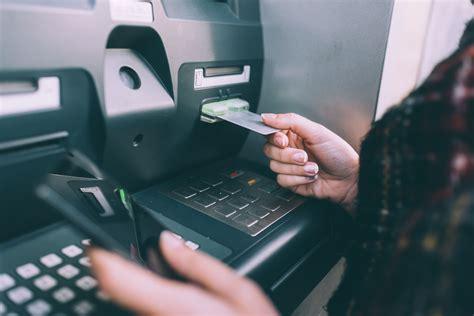 types  methods  financial identity theft