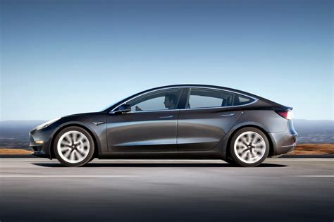 Elon Musk Promises Tesla Model 3 Performance Variant For