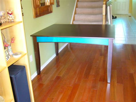 colour dining table