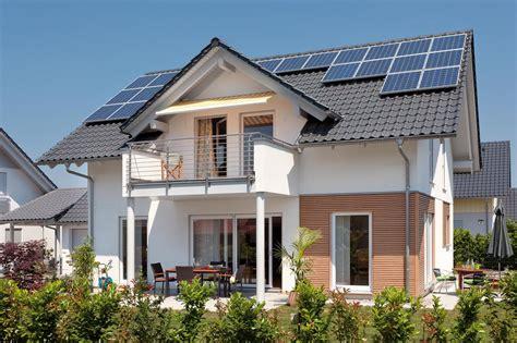 haus mit balkon haus mit satteldachgaube und balkon schw 246 rerhaus