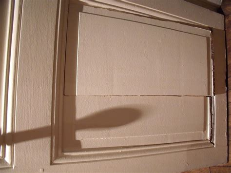 reparer un trou dans une porte comment reparer porte en bois cassee