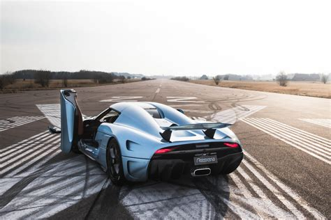 koenigsegg regera michelin bringing koenigsegg regera to goodwood festival