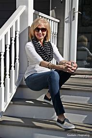 Casual Jean Outfits for Women Over 50