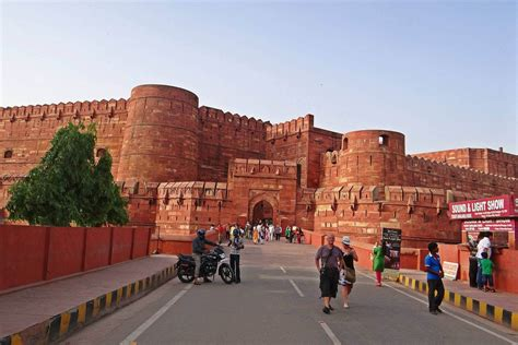 red fort agra information history timing entry fees