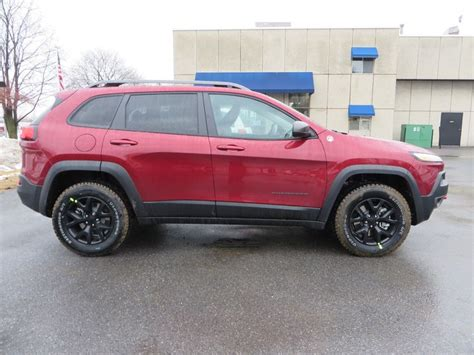 jeep cherokee trailhawk black rims 2015 jeep cherokee trailhawk in cherry red with black