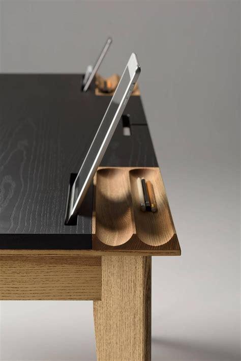 Balancing Functionality Style by 5 Minimalist Desks Which Balance Functionality With Style