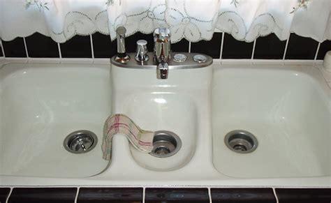 Fiesta kitchen sink by American Standard, introduced in