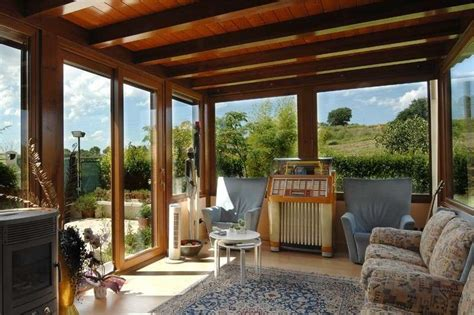 verande chiuse in legno e vetro verande in legno foto 5 40 design mag